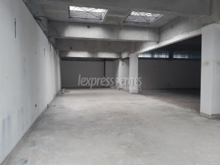 Trianon - Commercial Space - Rent