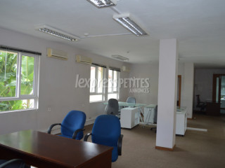 Quatre Bornes - Office - Rent