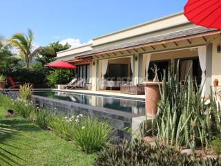 Black River - House / Villa - Buy