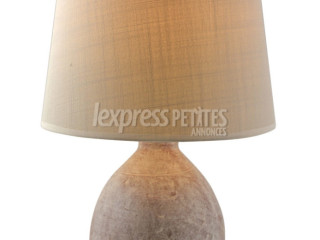 Rustic Drup Table Lamp